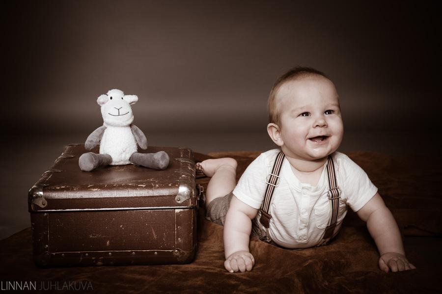 lapsikuvaus 6 kuukautta 2.jpg