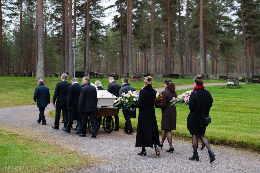 valokuvaaja liminka hautajaiset 4.jpg