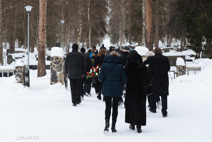 hautajaiskuvaus-oulu-linnanjuhlakuva-20.jpg