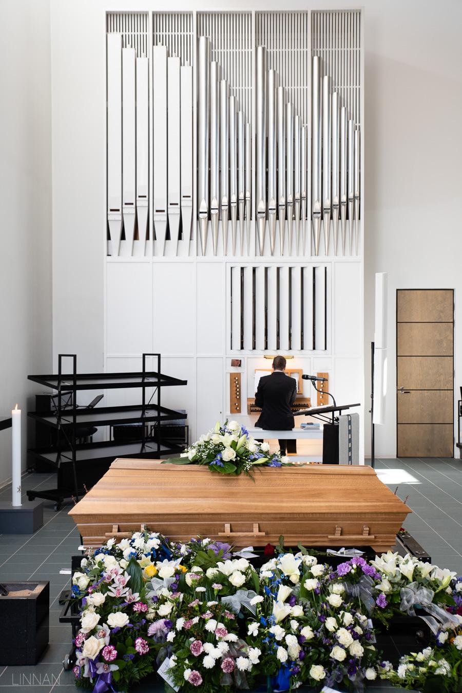 valokuvaaja kajaani hautajaiset-10.jpg