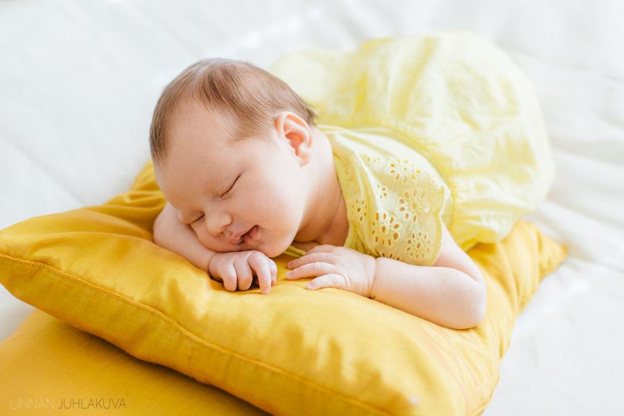 newborn-vauvakuvaus-5.jpg