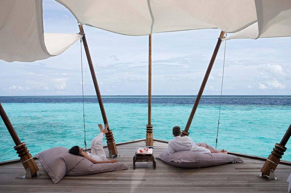 moofushi-maldives-honeymoon-1.jpg