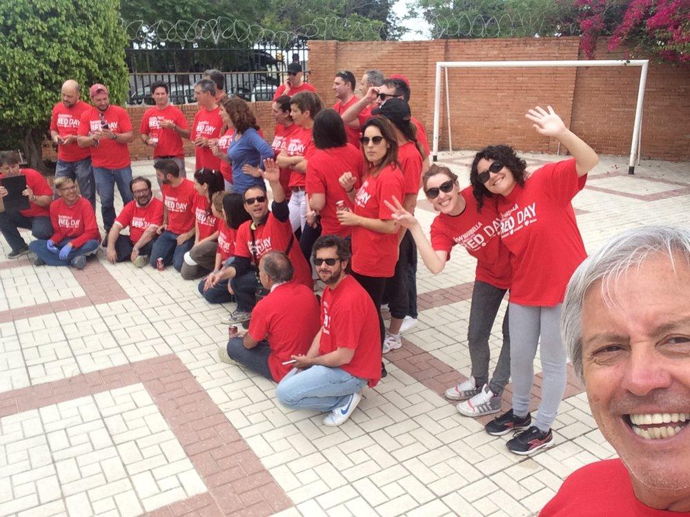 RED DAY 2017, El día en el que todos los miembros de KW en el mundo, donamos nuestras horas de trabajo para una acción social... y Luis Silva el primero...!!