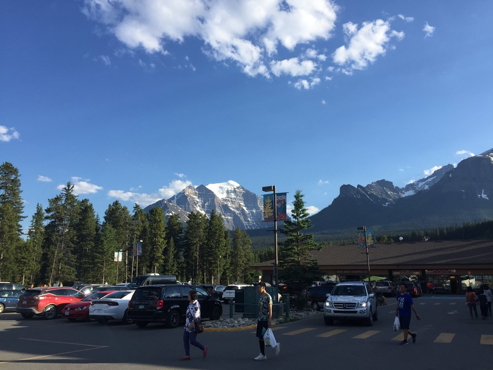 Lake Louise parking lot