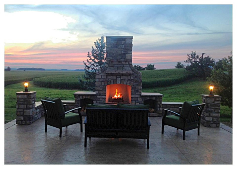 Natural Gas Outdoor Fireplace & Custom Outdoor Fireplace