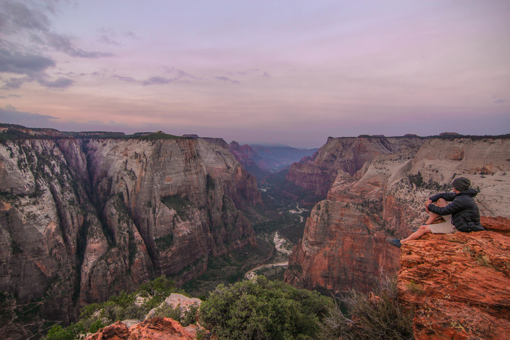Observation Point. Photo by Wesley Hawkins. Instagram: @utahtravels