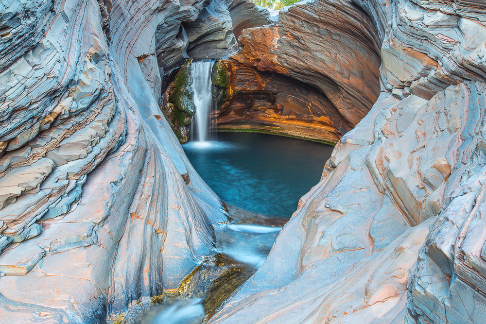 tom jessett thisworldexists australia this world exists spa pool