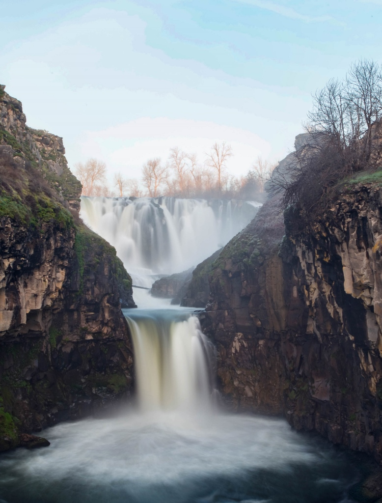 White River Falls, Spring