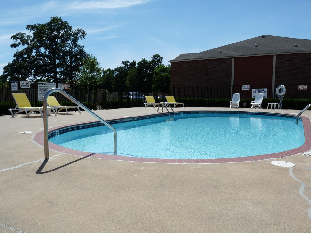 The Vineyards pool1.jpg
