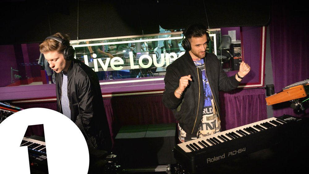 Performing violin on BBC Radio 1 live lounge with Blonde