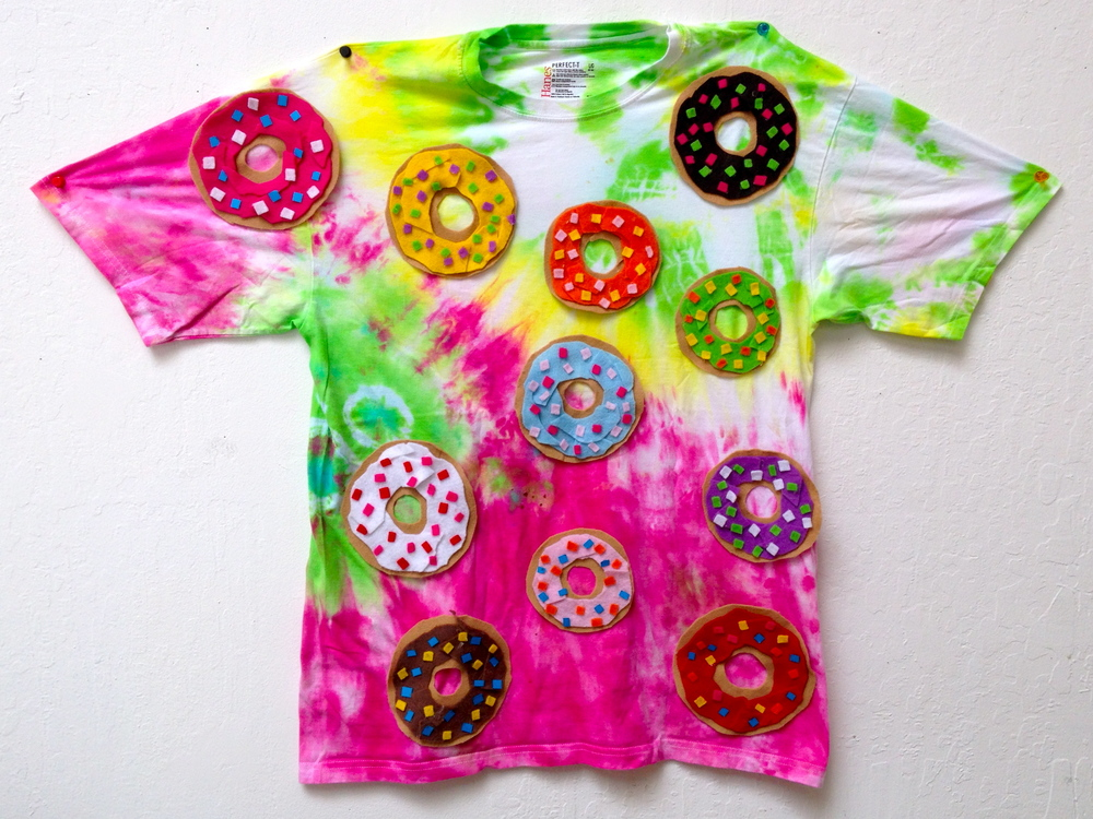 t-shirt, felt donuts