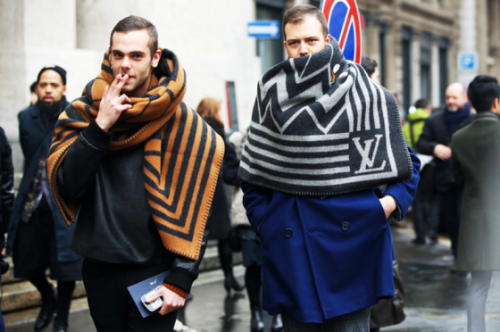 louis-vuitton-blanket-scarf-milan-fashion-week-menswear-street-style-2013-560x372.png