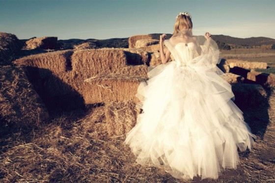 anja-rubik-bride-vogue-nippon-4-560x373.jpg