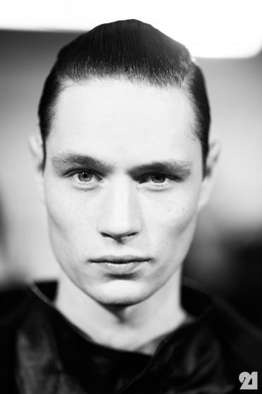 3324-Le-21eme-Adam-Katz-Sinding-Andrew-Westermann-Backstage-at-Boris-Bidjan-Saberi-Paris-Mens-Fashion-Week-Fall-Winter-2013-2014_AKS5116