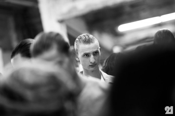 5496-Le-21eme-Adam-Katz-Sinding-Backstage-at-Siki-Im-Mercedes-Benz-New-York-Fashion-Week-Spring-Summer-2014_AKS8896-560x372.jpg