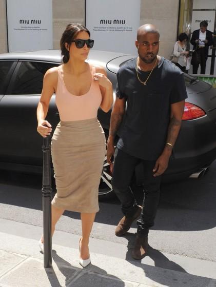 kim-kardashian-paris-gallery1-421x560.jpg
