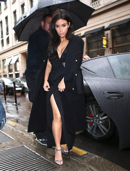 kim-kardashian-paris-may-21-ffn-ftr1-425x560.jpg