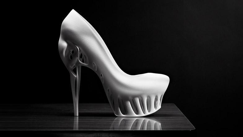 dezeen_Biomimicry-shoe-by-Marieka-Ratsma784.jpg