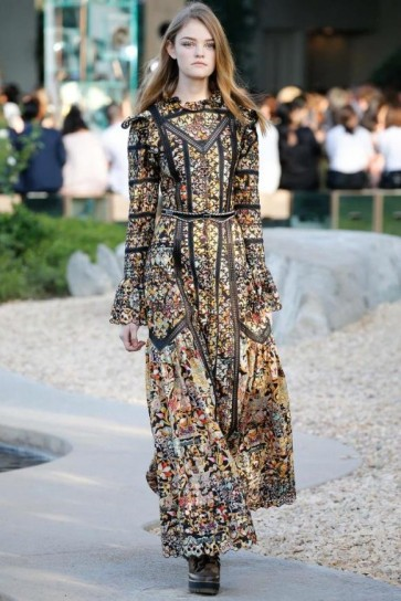 long-dress-fantasia-louis-vuitton