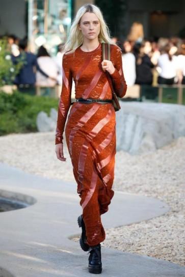 vestito-marsala-louis-vuitton