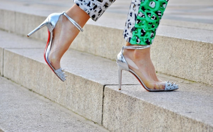 christian louboutin in chinese