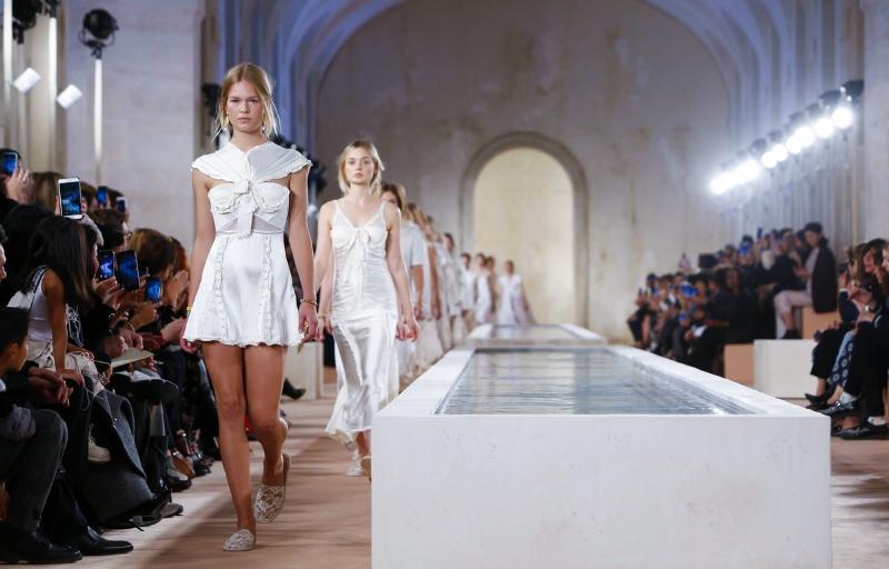 image:fashioninbox.com