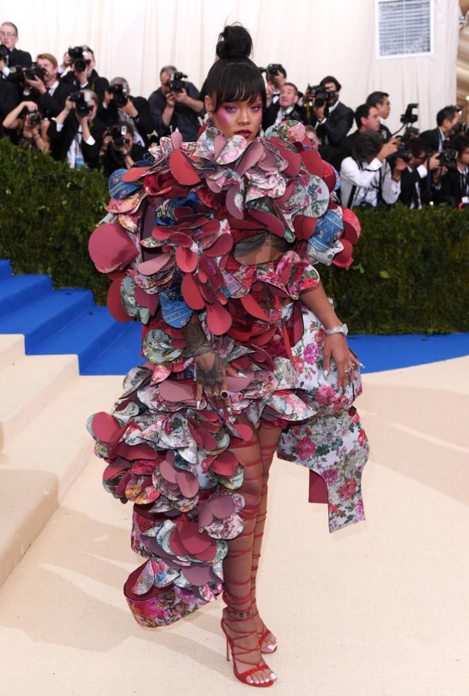 Rihanna in in Comme des Garçons