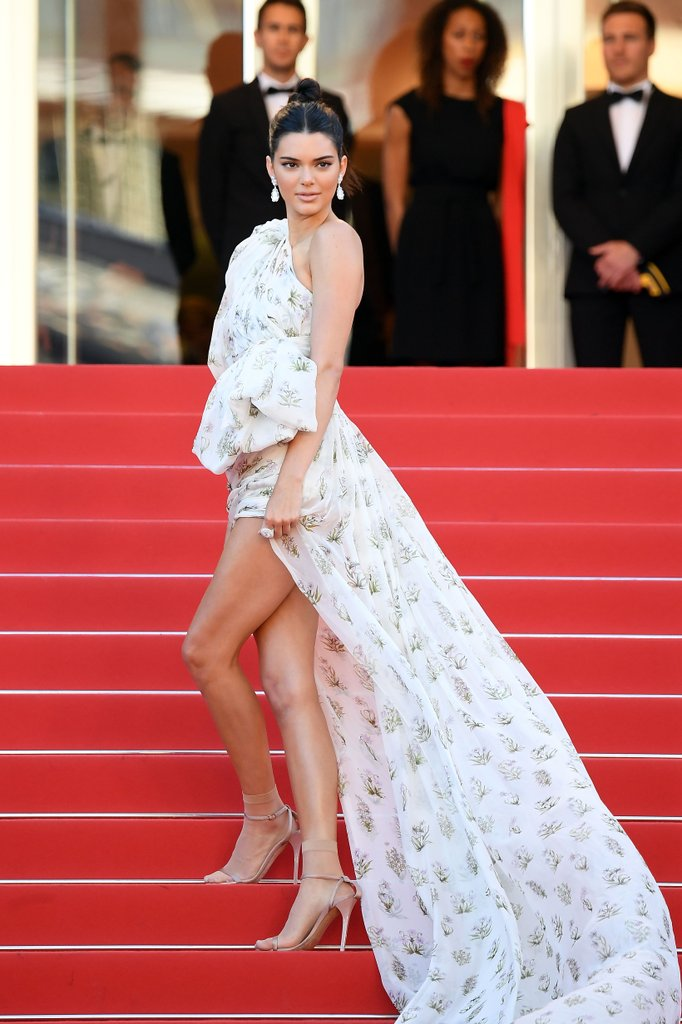 Kendall Jenner in Giambattista Valli Couture