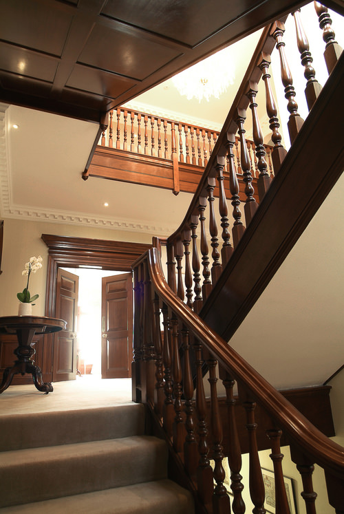 Georgian 18th century style swept handrail staircase