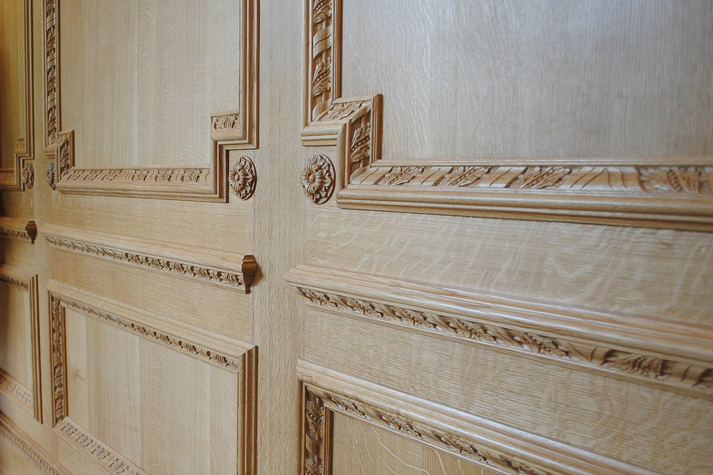 Oak panelling with a natural finish