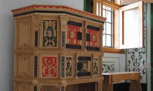 Recreating hand made urniture for the stirling castle project