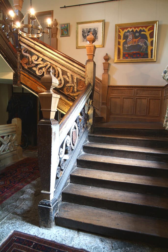 17th Century Oak And Elm Staircase Project 850