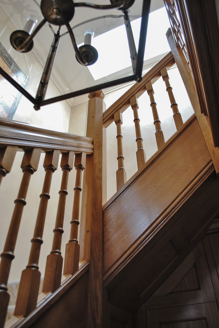 Solid Oak Traditional Staircase Project 1166
