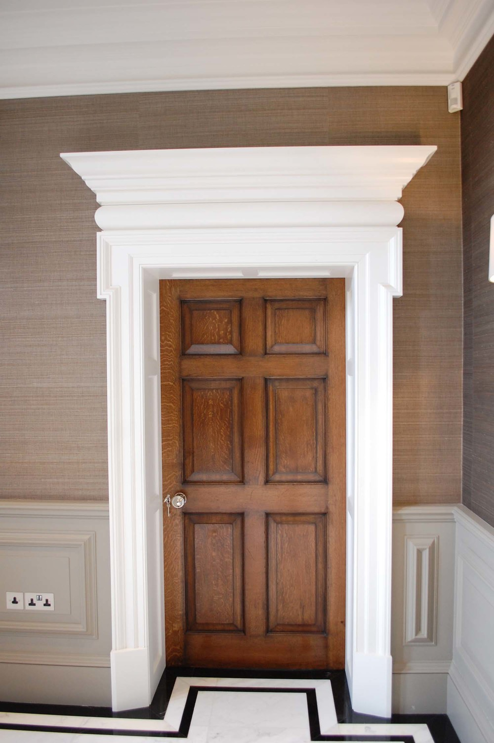 Six panel Georgian oak door with painted surround : georgian door - pezcame.com