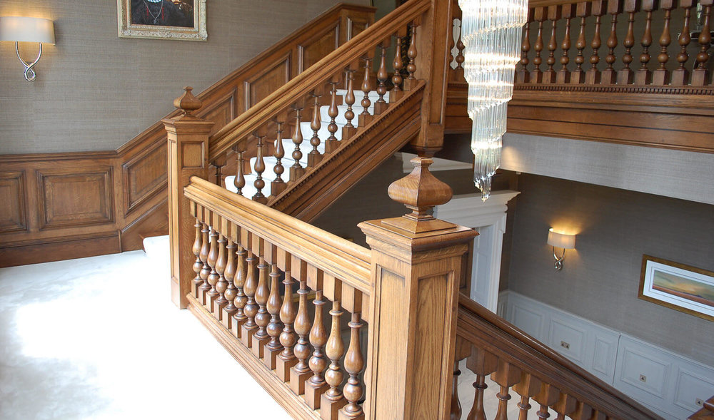 Staircase+with+panelled+newel+post+and+cut+finials+antiqued+finish+with+17th+century+period+details+(1500x884)  (1000×589) | STAIRCASES | Pinterest ...