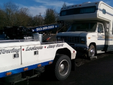 From Box trucks to RVs, We can tow it safely to the destination you choose.
