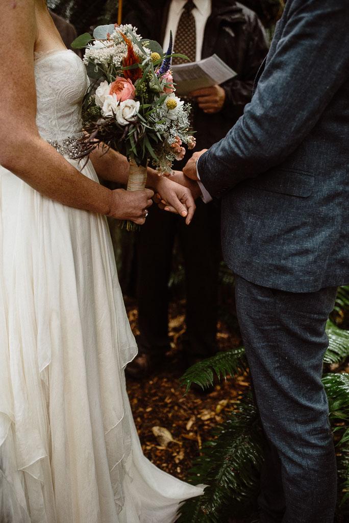 Intimate wedding seattle2-2.jpg