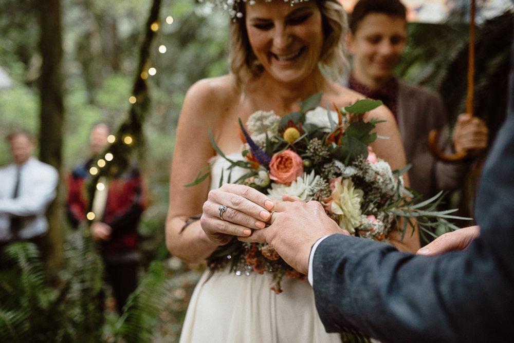 Intimate wedding seattle12.jpg