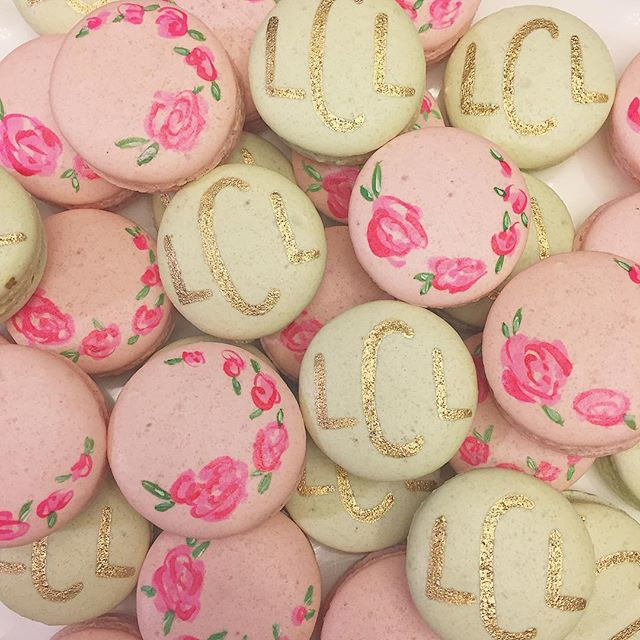 The sweetest macarons for a baby shower! #abcdcakes #abcdcakemake #charleston #charlestonwedding #charlestonbakery #chseats #holycityeats #handpaintedmacarons #macarons #babyshower #charlestonbride #prettydesserts #buttercream #imsomartha #babysprinkle #desserts #girlboss #letthemeatcake #letthemeatmacarons