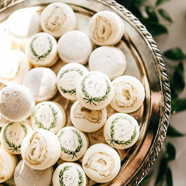 A sunny Sunday is almost as good as chic oyster and monogram macarons! #abcdcakes #abcdcakemake #charleston #charlestonwedding #charlestonbride #charlestoncake #charlestonbakery #chseats #holycityeats #imsomartha #marthastewartweddings #bestdayever #macarons #handpaintedmacarons #customcake #buttercream #girlboss #oysters #monogram #letthemeatcake