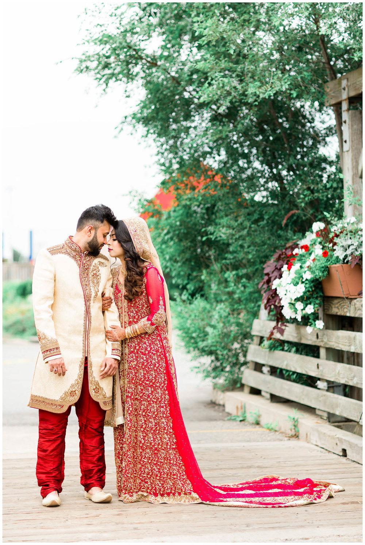 Versailles-Toronto-Mississauga-Brampton-Scarborough-GTA-Indian-Pakistani-Muslim-Wedding-Photographer_0023.jpg