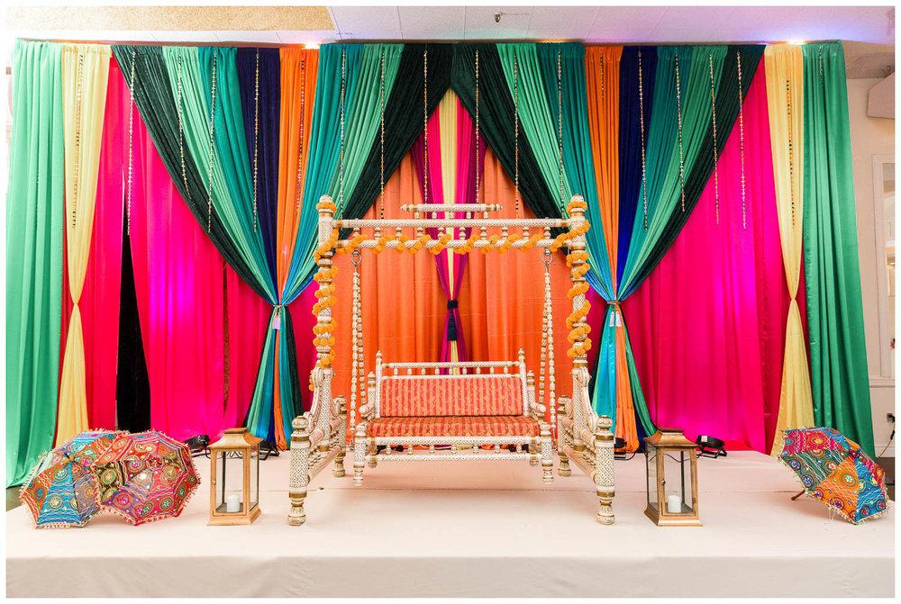 Mendhi-Kariya-Park-Candles-Banquet-Toronto-Mississauga-GTA-Pakistani-Indian-Muslim-Female-Wedding-Photographer_0019.jpg