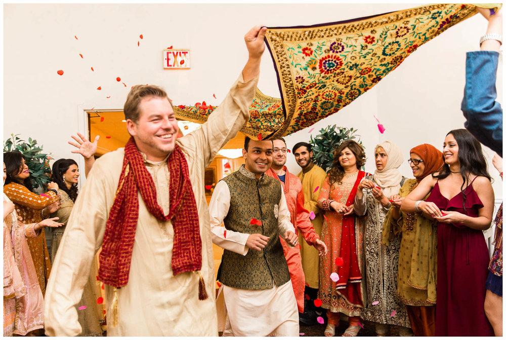 Mendhi-Kariya-Park-Candles-Banquet-Toronto-Mississauga-GTA-Pakistani-Indian-Muslim-Female-Wedding-Photographer_0026.jpg