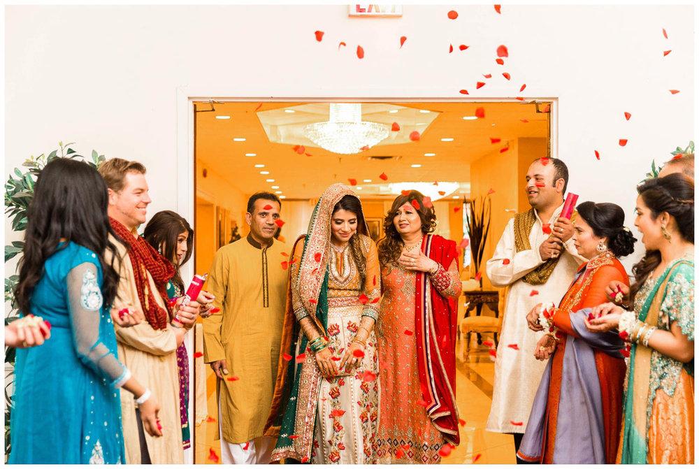 Mendhi-Kariya-Park-Candles-Banquet-Toronto-Mississauga-GTA-Pakistani-Indian-Muslim-Female-Wedding-Photographer_0028.jpg