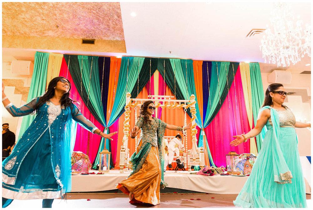 Mendhi-Kariya-Park-Candles-Banquet-Toronto-Mississauga-GTA-Pakistani-Indian-Muslim-Female-Wedding-Photographer_0049.jpg