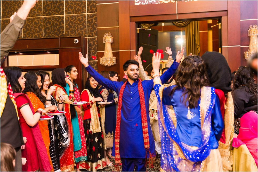 Mehndi-Markham-Convention-Centre-Toronto-Mississauga-Brampton-Scarborough-GTA-Pakistani-Indian-Wedding-Engagement-Photographer-Photography_0004.jpg
