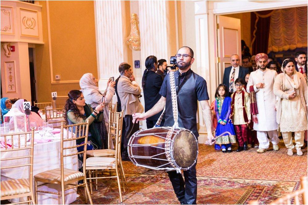 Scarborough-Convention-Centre-Baraat-Toronto-Mississauga-Brampton-Scarborough-GTA-Pakistani-Indian-Wedding-Engagement-Photographer-Photography_0019.jpg