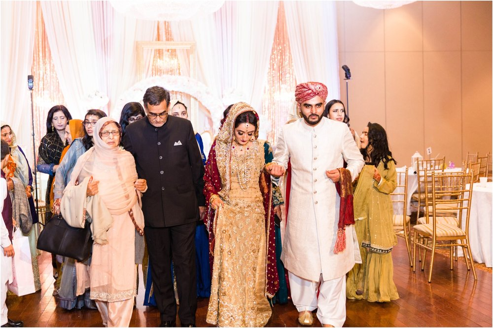 Scarborough-Convention-Centre-Baraat-Toronto-Mississauga-Brampton-Scarborough-GTA-Pakistani-Indian-Wedding-Engagement-Photographer-Photography_0037.jpg