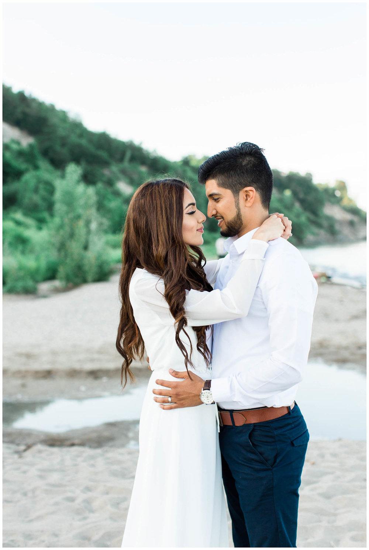 Scarborough-Bluffs-Main-Street-Unionville-Engagement-Toronto-Mississauga-Pakistani-Muslim-Wedding-Photographer_0020.jpg