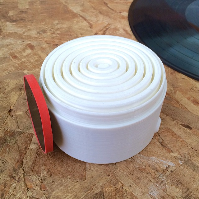 My submission for the @thingiverse #GhostlyVinyl competition. A record powered wave generator #3DPrinted #3DPrinting #3DBrooklyn #Makerbot #Thingiverse #Brooklyn
